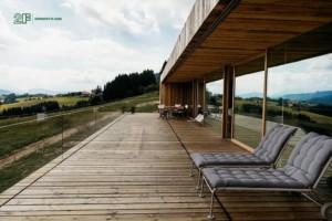 serramenti in legno per villa design moderno