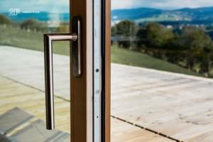 Serramenti-in-legno-2F-Villa-privata-Altopiano-di-Asiago-Roana-Vicenza 28