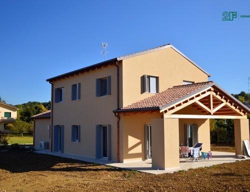 Serramenti in legno Euroclima 92 di 2F per una casa passiva in legno Xlam nel Comune di Susegana (TV)