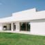 Serramenti in legno con grandi specchiature per un'abitazione moderna di Vicenza - 1