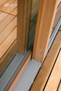 Serramenti in legno con grandi specchiature per un'abitazione moderna di Vicenza - 21