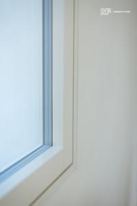 Villa liberty contemporanea - serramenti in legno laccato bianco - 21
