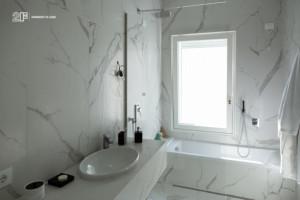 Villa liberty contemporanea - serramenti in legno laccato bianco - 3