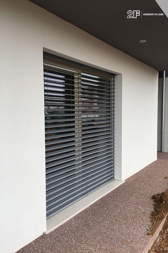 Abitazione moderna con giardino a Costabissara (Vicenza) - serramenti in legno Clima 80 di 2F - 10
