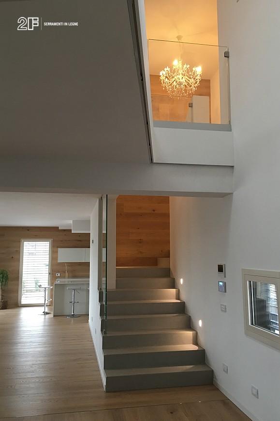 Abitazione moderna con giardino a Costabissara (Vicenza) - serramenti in legno Clima 80 di 2F - 11