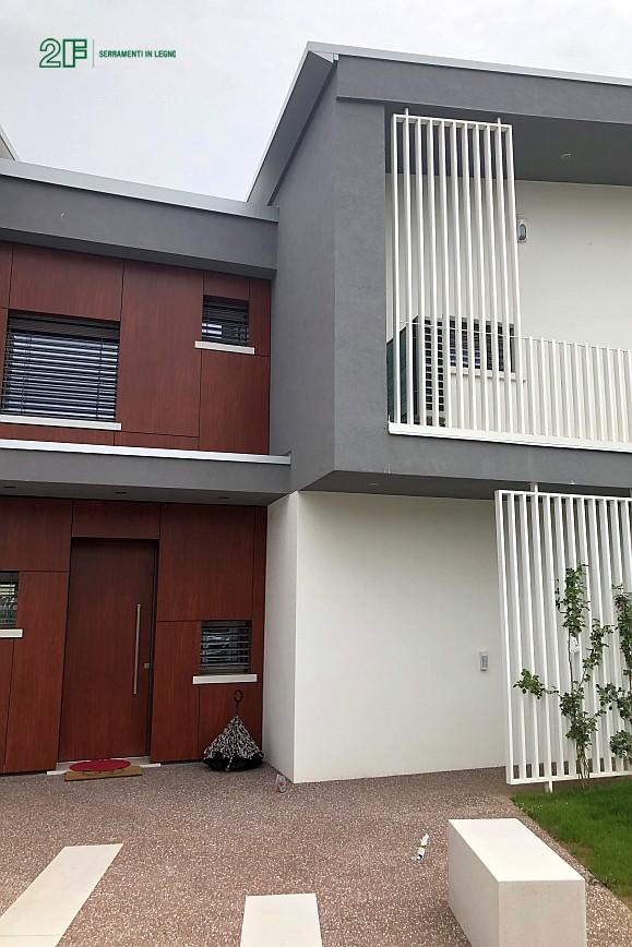 Abitazione moderna con giardino a Costabissara (Vicenza) - serramenti in legno Clima 80 di 2F - 6