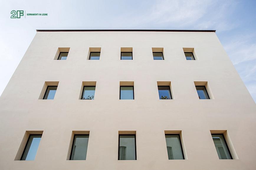 Complesso residenziale a Viicenza - Serramento in legno 2F - modello Italia 68 (a)