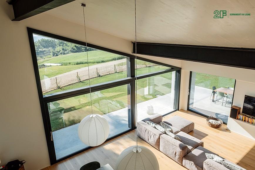 Geometrie e vetro per una villa privata ad Arzignano - Vicenza - serramenti in legno Italia 68 - 16