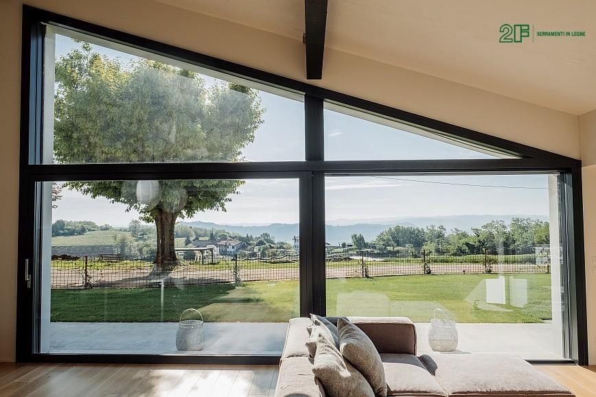 Geometrie e vetro per una villa privata ad Arzignano - Vicenza - serramenti in legno Italia 68 - 3