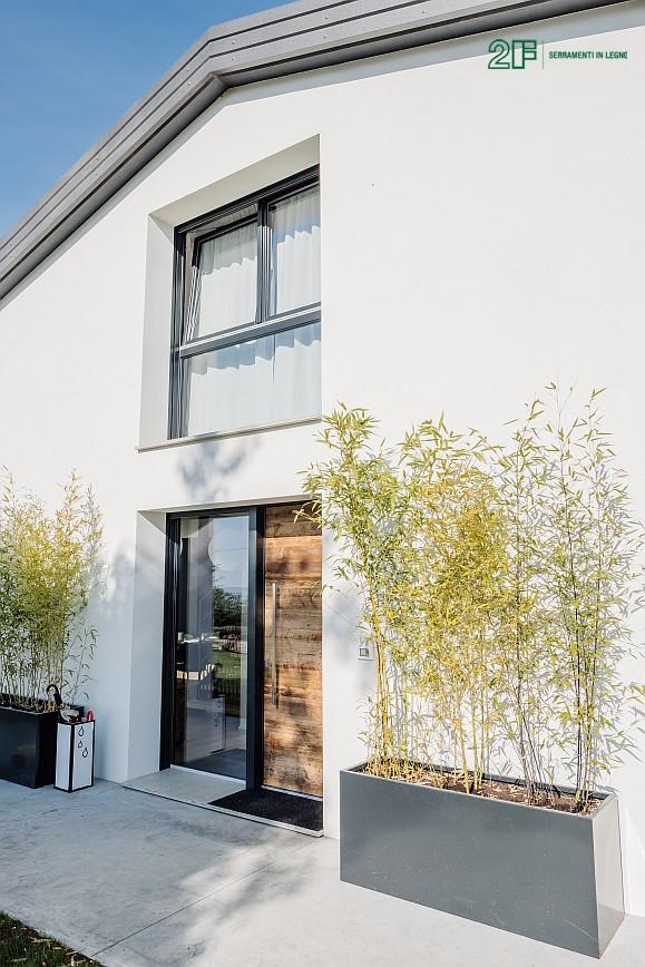 Geometrie e vetro per una villa privata ad Arzignano - Vicenza - serramenti in legno Italia 68 - 4