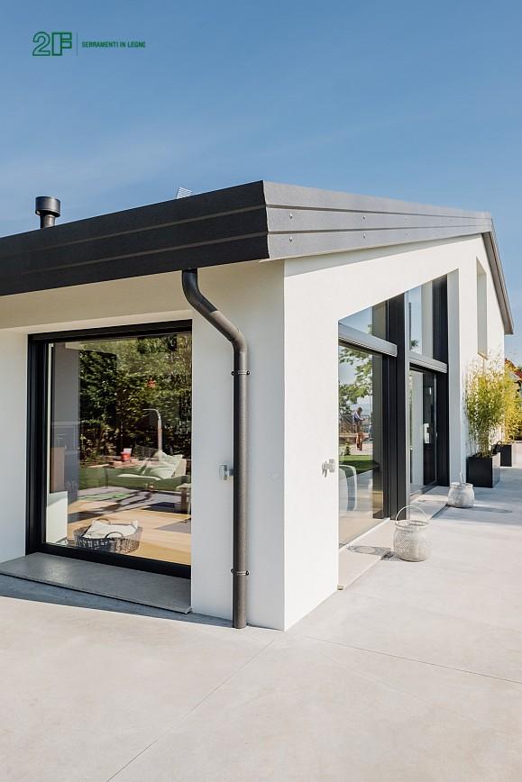Geometrie e vetro per una villa privata ad Arzignano - Vicenza - serramenti in legno Italia 68 - 6