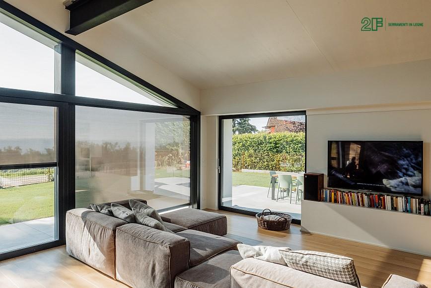 Geometrie e vetro per una villa privata ad Arzignano - Vicenza - serramenti in legno Italia 68 - 7