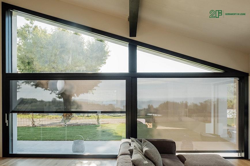 Geometrie e vetro per una villa privata ad Arzignano - Vicenza - serramenti in legno Italia 68 - 10